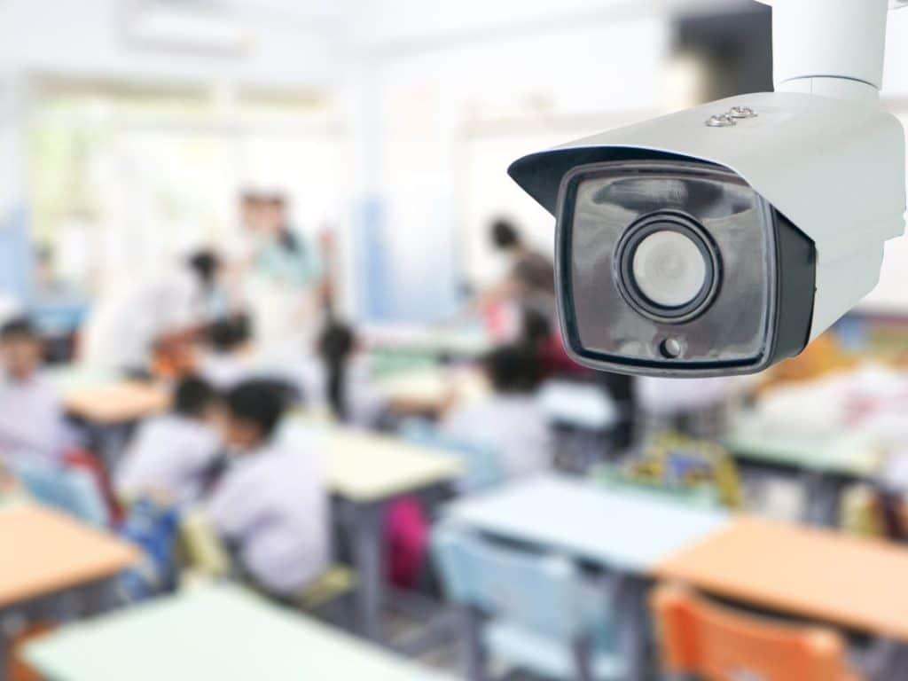 Để tránh bị nhầm lẫn, cần sử dụng các camera có cùng chất lượng để thu dữ liệu và hình ảnh quét được.